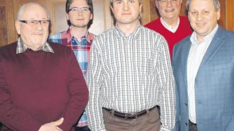 Die CDU-Ortsverbände Altenstadt und Kellmünz haben fusioniert und einen gemeinsamen Vorstand gewählt. Unser Bild zeigt (von links) Walter Huy, Dominik Lang, Richard Berger, Wolfgang Andritschke und den Vorsitzenden Hubert Berger.