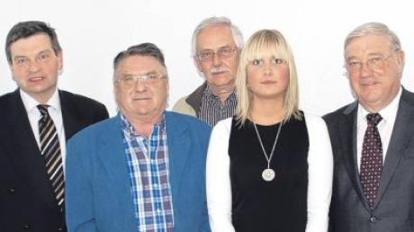 Der CSU-Ortsverband Kettershausen hat einen neuen Vorstand gewählt (von links): stellvertretender CSU-Kreisvorsitzender Franz Mutzel, Josef Schmidberger, Michael Markthaler, Schwabens jüngste Ortsvorsitzende Verena Winter und Landtagsabgeordneter Josef Miller.