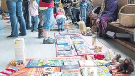 Basarstimmung herrschte beim Flohmarkt der Grundschüler.