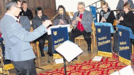 Mit einem Konzert zur Weihnachtszeit begeisterten die Oberrother Musikanten das Publikum in der restlos gefüllten Stephanus-Kirche.