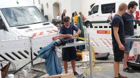 Bei Bauarbeiten auf der Herdbrücke wurde am Montagmorgen ein für die Telekommunikation wichtiger Kabelstrang der Telekom beschädigt.