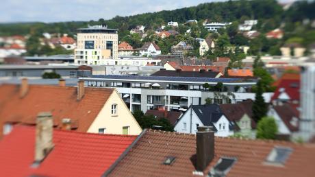 Die Preise für Immobilien in Ulm steigen weiter an, vor allem in der Innenstadt. Das zeigt der Grundstücksmarktbericht, den der städtische Gutachterausschuss jetzt vorgelegt hat.