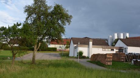 Das Oberschönegger Dorfgemeinschaftshaus soll in der großen Variante I südöstlich des Schützenheims auf einem Teilstück der Flurnummer 214 entstehen.