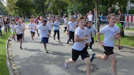 Das Kolleg startete mit 181 Teilnehmern beim Einstein-Marathon.