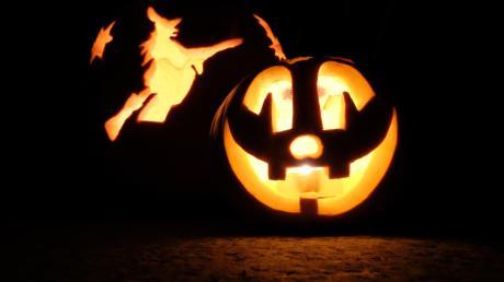 Wir erklären die Bedeutung von Halloween. Woher kommt der Name? Was sind die Bräuche?