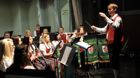 Nach mehrjähriger Pause schwingt Manfred Förg bei den Winterrieder Musikanten wieder den Taktstock.