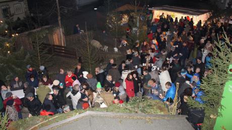 Der Weihnachtsmarkt in Jedesheim findet am dritten Advent und am Samstag davor statt. Hier finden Sie die Infos zu Start, Termin, Öffnungszeiten und Programm.