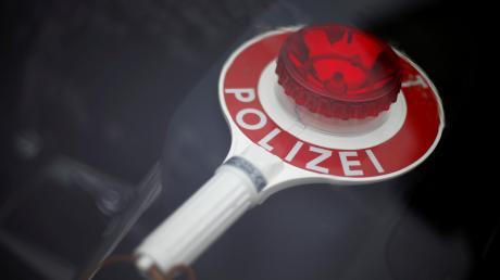 Ein Rollerfahrer hat in der Nacht auf Karfreitag versucht, bei Dettingen eine Tankstelle zu überfallen.