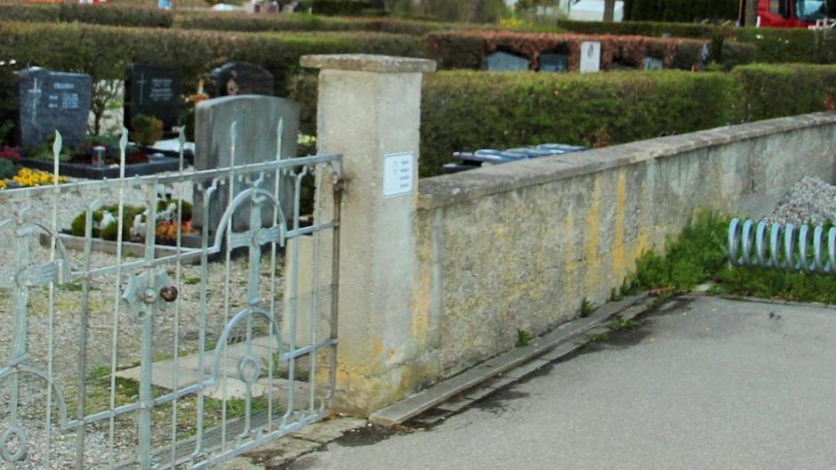 Fabulous Kellmünz: Zaun statt Mauer um Kellmünzer Friedhof - Nachrichten IN74