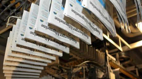 So sieht es aus, wenn sich die frisch gedruckten Zeitungen auf den Weg von der Druckerei zur Verladestation machen.