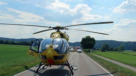 Zu einem schweren Unfall ist es am Samstagnachmittag zwischen Altenstadt und Sinningen gekommen: Zwei Menschen starben.