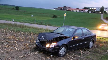 Am Freitagabend hat sichgegen 19 Uhrbei Oberschöneggein schwerer Unfall ereignet: Eine Frau wurde verletzt mit einem Rettungshubschrauber nach Augsburg geflogen.