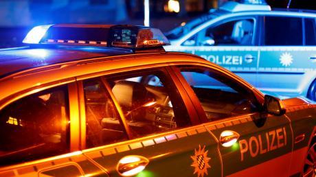 Auf der B300 bei Geisenfeld ist ein 13 Jahre alter Beifahrer nach einem schweren Unfall gestorben.