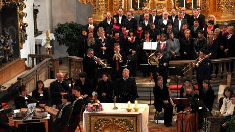 """Zum Abschluss dürfen die Besucher seit Jahren in das Lied """"Maria, breit' den Mantel aus"""" einstimmen."""