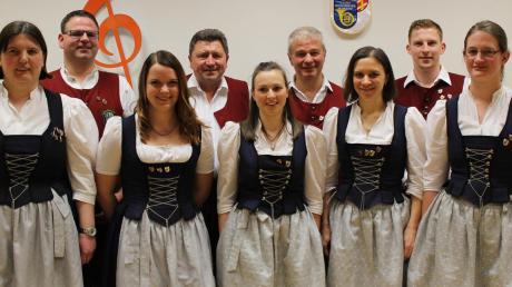 Der Vorstand der Musikvereinigung Buch ist komplett (von links): Stephanie Dreier, Erhard Schneider, Julia Eckel, Helmut Karg, Monika Neuhäusler, Wolfgang Negele, Andrea Eckel, Benjamin Jenuwein und Karin Hausner.