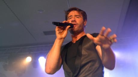 Der heute 47-jährige Sänger Sasha feierte Ende der 1990er-Jahre seinen Durchbruch. Später trat er als Dick Brave and the Backbeats auf.