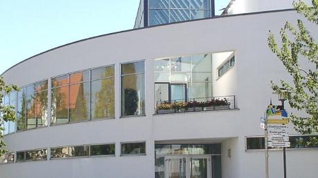 Bei der Bürgerversammlung im Vöhringer Kulturzentrum standen Bürgermeister und Stadtverwaltung den Bürgern Rede und Antwort.