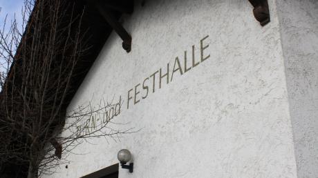Die Gemeinde Winterrieden bemüht sich um Zuschüsse für die Sanierung der Turn- und Festhalle.