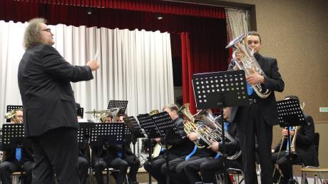 Tobias Roggors am Euphonium: Das Publikum feierte den Solopart des Brass-Musikers der Band A7.