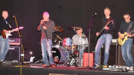 """Die Heavy-Metal-Band """"Gravestone"""" bei der Probe (von links): Klaus Reinelt, Thomas Imbacher, Berti Majdan, Thomas Sabisch und Mathias Dieth."""