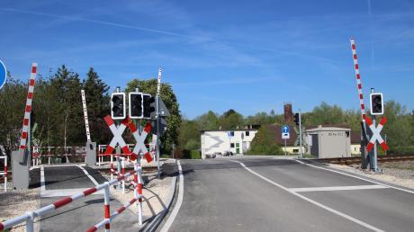Für den Umbau des Bahnübergangs am Steinweg bekommt der Marktgemeinderat im Nachhinein eine kräftig gestiegene Rechnung präsentiert.