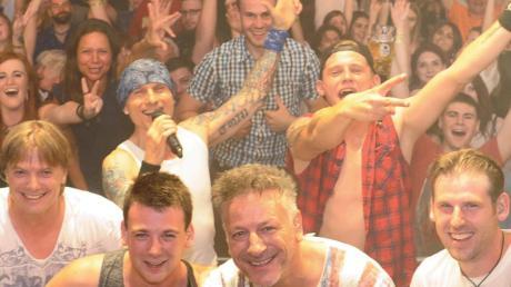 Die Partyband Rockspitz tritt am Freitag im Festzelt auf.
