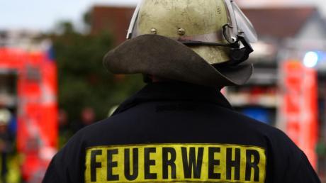 Wegen eines Lecks in einer Gasleitung rückte in Hohenwart die Feuerwehr an.