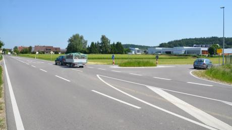 Wer von Süden Richtung Unterroth fährt, hat eine schnurgerade Strecke vor sich, die viele dazu verleitet, aufs Gas zu drücken.