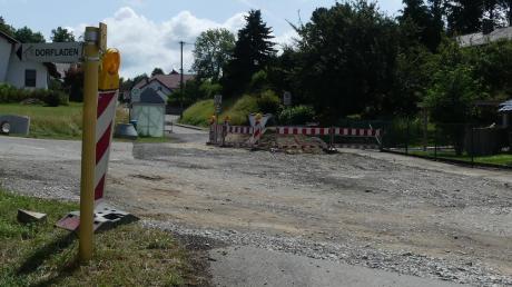 Fußgänger und Radfahrer sollen an dieser Stelle künftig sicherer über die Illertalstraße kommen.