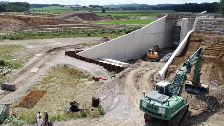 Die Baustelle nahe Eldern ist weithin sichtbar.