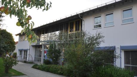 Die Ausgaben für den Anbau des Kindergartens in Oberroth steigen. Doch der Gemeinderat hält die Mehrkosten für vertretbar.