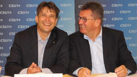 Der Augsburger Regierungsdirektor Rainer Schaal (links) tritt für die CSU im Unterallgäu als Landratskandidat an, sehr zur Freude des Kreisvorsitzenden und früheren Bayerischen Wirtschaftsministers Franz Josef Pschierer.