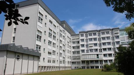 Das Mindelheimer Klinikum (im Bild) und das Krankenhaus in Ottobeuren dürfen mit den Kliniken im Oberallgäu fusionieren.
