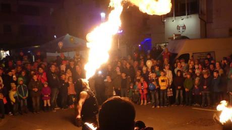 """Feuer und Flamme für Dietenheim: die Show von """"Lumen Noctis""""."""