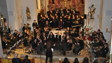 """Zum Patrozinium der Winterrieder Pfarrkirche St. Martin gab es ein Konzert unter dem Motto """"Klassisch, modern, gemeinsam""""."""