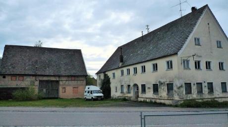 Das Anwesen Ilg – im Bild der ehemalige Gasthof – wird nicht das neue Gemeindezentrum.