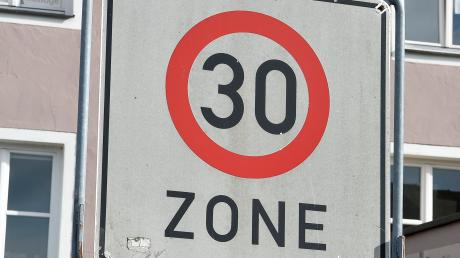 """Das Baugebiet """"Am Hochfeld"""" einschließlich Köperlesberg  und Frühmeßgasse erüllt in Münsterhausen Vorraussetzungen für eine Geschwindigkeitsbegrenzung auf 30 Stundenkilometer und eine Tempo-30-Zone."""