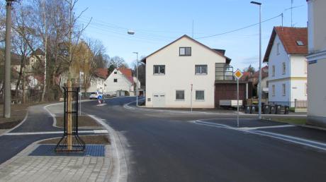 Nach monatelangen Bauarbeiten ist die Rechbergstraße in Babenhausen nun für den Verkehr freigegeben.