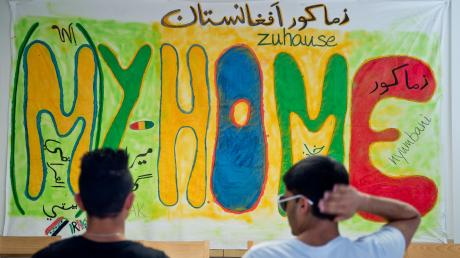 """Eine eigene erschwingliche Wohnung zu finden, ist für Flüchtlinge nicht einfach. Auch Flüchtlingshelfer wissen das nur allzu gut. """"Wer keine Kontakte hat, hat fast keine Chance"""", sagt Integrationsberater Daniel Sperl."""