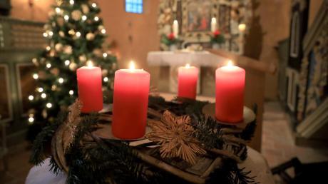 EtlicheMenschen in der Region besuchten die Gottesdienste an den Weihnachtstagen.