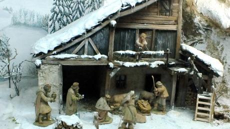 Premiere: Zum ersten Mal findet eine Krippenausstellung im Evangelischen Gemeindehaus in Vöhringen statt. Das Bild zeigt eine alpenländische Krippe in winterlicher Umgebung.