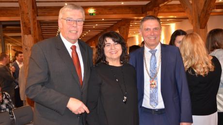 Für Gabriele Weikmann-Kristen war das der letzte Neujahrsempfang als Zweite Bürgermeisterin. Nach 24 Jahren im Stadtrat tritt sie nicht mehr an. Mit im Bild: Der Dritte Bürgermeister Wolfgang Ostermann (links) und Bürgermeister Jürgen Eisen.