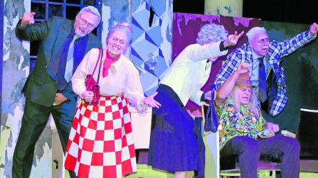 """Mit dem Songdrama """"Ewig jung"""" (Inszenierung: Peter Kesten) gastierten die Akteure des Landestheaters Schwaben im Theater am Espach."""