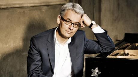 Markus Becker hat im Herbst den Opus Klassik für seine Einspielung von Max Regers Klavierkonzert bekommen. Jetzt spielt er in Illertissen.