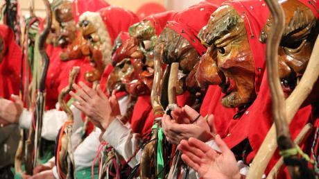 Die Ranzenburger Hexen feiern ihren 55. Geburtstag. Ihre Holzmasken, von denen jede ein bisschen anders aussieht, haben die Hasträger allerdings erst in den 1970er Jahren bekommen.