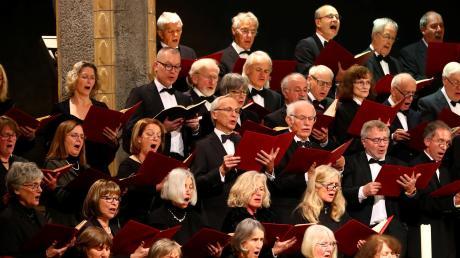 Viele Chöre in der Region machen sich Sorgen um die Zukunft ihrer Gemeinschaft. Neue Mitglieder stoßen zu den Gesangvereinen nur selten hinzu. Ein interaktiver Abend in der Petruskirche will nun Lösungsansätze bieten.