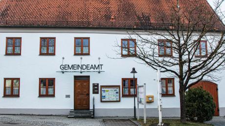 Ein neuer Gemeinderat formiert sich in Oberschönegg. Bürgermeister bleibt Günther Fuchs.