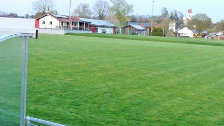 Für Sportplatzpflege gibt es in Kettershausen Geld von der Gemeinde: Damit können der Platz des TSV und die Anlage des TC instand gesetzt werden.
