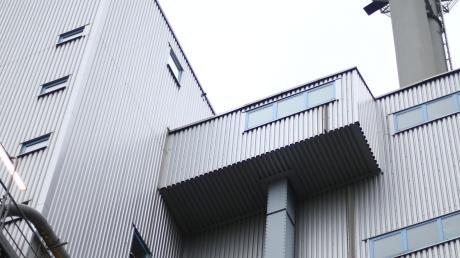 Im Müllheizkraftwerk Weißenhorn ist ein schwerer Unfall passiert.