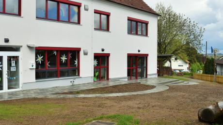 Der Außenbereich der Kindertagesstätte im Ort wird erneuert.